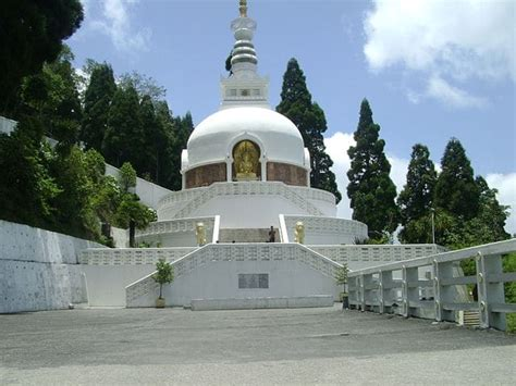 top  places  visit  darjeeling trans india travels