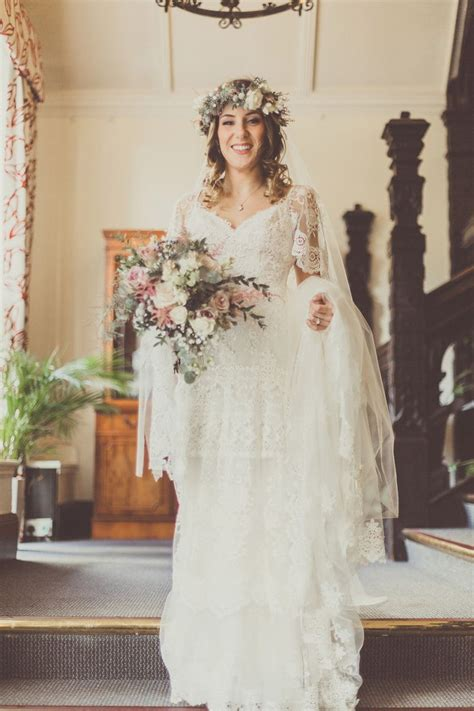 Yolancris For A Boho Bride And Her Laid Back Winter Barn