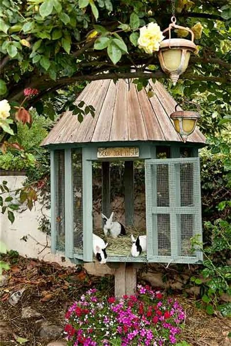 Creative Rabbit Hutches - 17 best ideas about rabbit hutches on outdoor