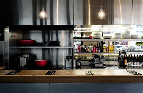 cuisine sans frontiere un restaurant au design chaleureux pour une cuisine sans