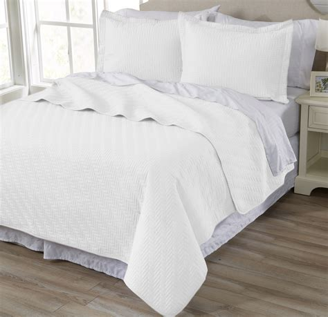 Solid Color Quilts And Coverlets by Grey King Size Quilts And Bedspreads