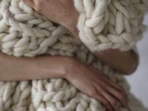 Plaid En Grosse Maille : le tricot verso giga mailles par knitty ~ Teatrodelosmanantiales.com Idées de Décoration