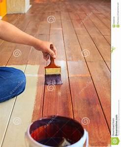 Comment Enlever De La Peinture Sur Du Bois : couleur l 39 huile de peinture de main sur l 39 utilisation du ~ Dailycaller-alerts.com Idées de Décoration