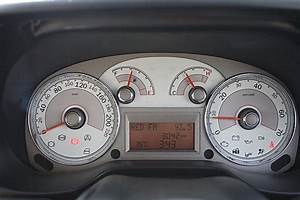 2012 Fiat Linea Review - Interior