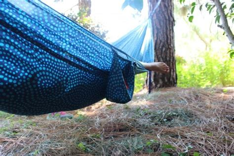 Best Way To Hang A Hammock Between Trees by How To Hang A Hammock Bonus The Best Hammocks For