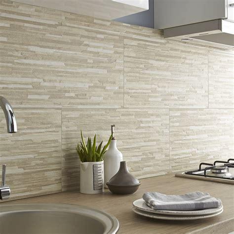 prix carrelage cuisine carrelage mur beige listello l 30 x l 60 cm leroy merlin
