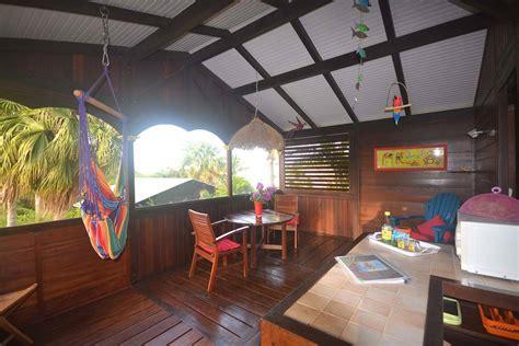 chambre guadeloupe location de bungalows en bois 224 deshaies en guadeloupe