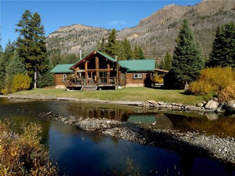 cabins in yellowstone 11 dreamy yellowstone cabins you can rent for your next