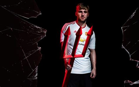 Manchester United away kit 2015-16: Top stars launch ...