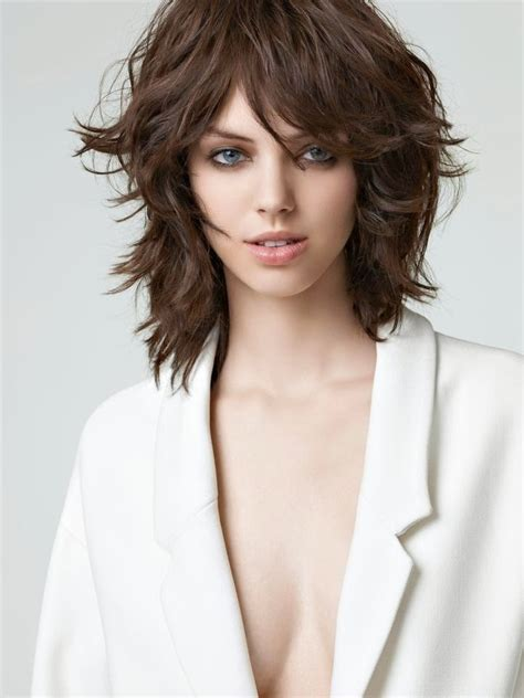 Hairstyles With Texture by Hairstyles And Attire Medium Length Hair Cut With
