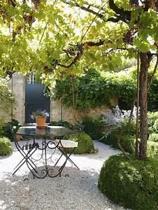 Chaise De Jardin En Fer : comment choisir une table et chaises de jardin ~ Teatrodelosmanantiales.com Idées de Décoration