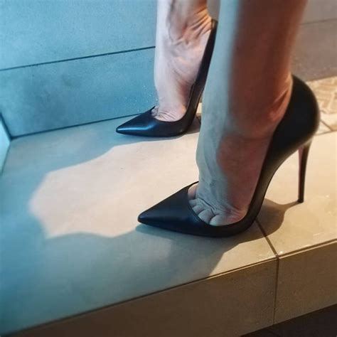 pin  pointed toe high heels
