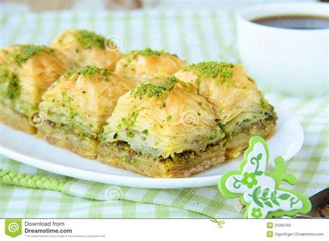 dessert avec du miel dessert turc traditionnel baklava avec du miel