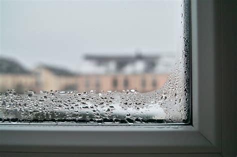 7 способов заставить пластиковое окно не потеть