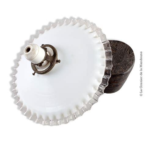 abat jour ancien opaline blanche dentel 233 e transparente monture laiton et douille porcelaine sur