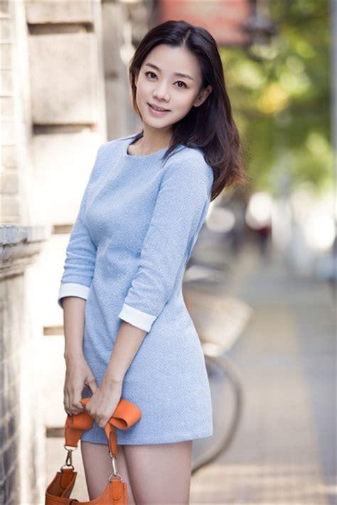 《美人制造》岳菁蔚 密访杨蓉房间学跳舞-搜狐娱乐