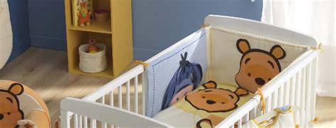 chambre winnie l ourson pas cher tour de lit winnie l 39 ourson de disney pour la chambre de