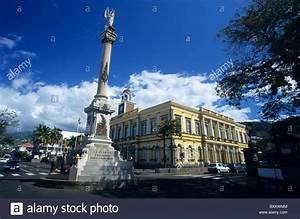 Paris St Denis De La Réunion : victory monument front of town hall saint denis la reunion island stock photo 33782356 alamy ~ Gottalentnigeria.com Avis de Voitures