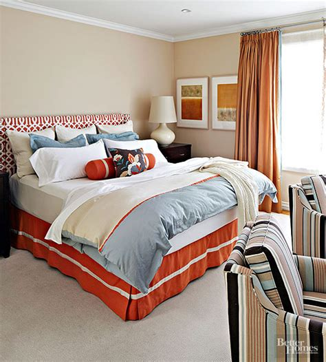 warna cat kamar tidur minimalis utama  cewek