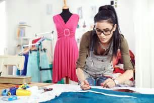 ausbildung zum designer die ausbildung zum modedesigner ist erfüllt disziplin und fleiß kreativliste