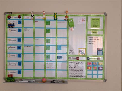 inrichting huis autisme planbord in fris groen dagritme kaart weekplanner