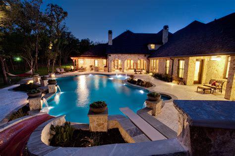 Set Design Swimming Pool Large And Luxury