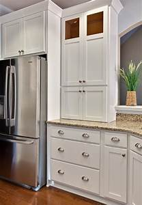 bin pulls and knobs vs bar pulls with shaker cabinets With kitchen cabinets lowes with half moon metal wall art