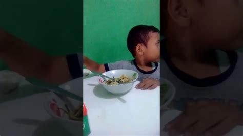 Makan Mie Ayam Yummy Youtube