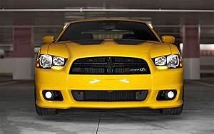 Dodge Challenger Srt8 : first look 2012 dodge challenger srt8 charger srt8 automobile magazine ~ Medecine-chirurgie-esthetiques.com Avis de Voitures