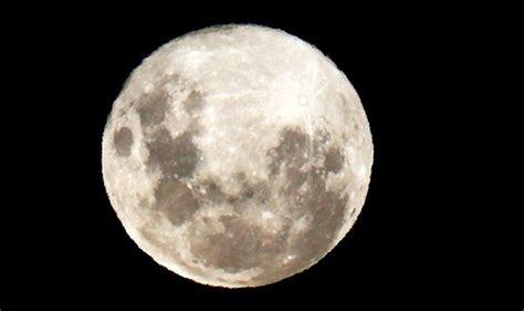 blue moon tonights blue moon paschal moon