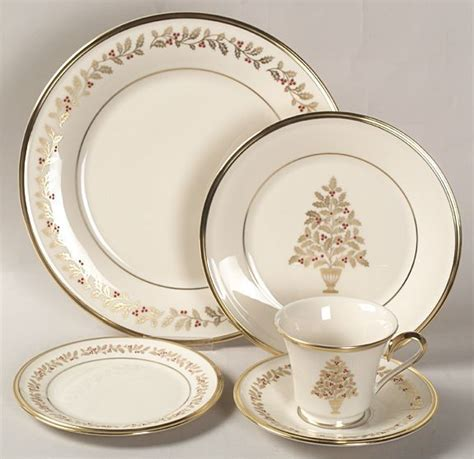 china christmas patterns pattern lenox holiday dinnerware eternal selling table replacements