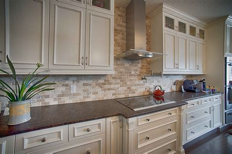 Natural Stone Kitchen Backsplash   Ceramic Decor