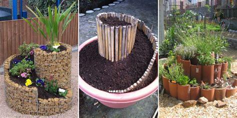 10 Spiral Herb Garden Ideas