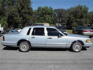 Used Lincoln Town Car Signature Series 1993 Details  Buy Used Lincoln Town Car Signature Series