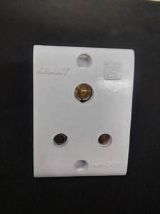 3 Pin Socket Isi