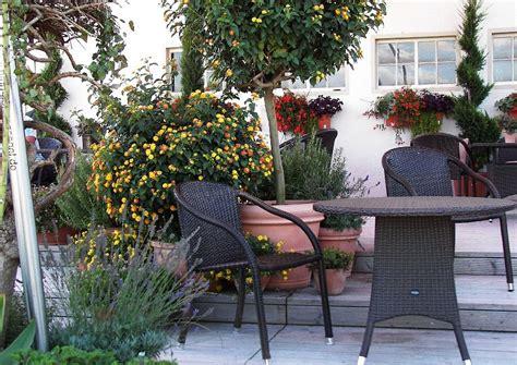 gartenmöbel villingen schwenningen terrassenm 246 bel aus kunststoffflechtwerk polyrattan
