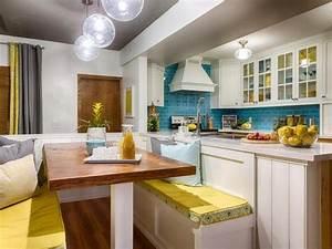Farben Für Küche : sitzbank mit kissen in leuchtenden farben f r wei e k che future house goals banquette ~ Orissabook.com Haus und Dekorationen