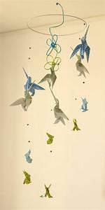 les 25 meilleures idees de la categorie oiseau origami sur With affiche chambre bébé avec boucle d oreille fleur or