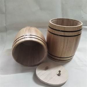 Tonneau En Bois : tonneau en bois de d coration la maison avec le sac ~ Melissatoandfro.com Idées de Décoration