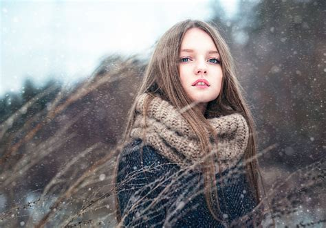 images  girls brown haired girls winter snow