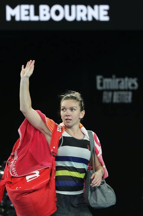 Serena Williams on to Australian Open quarterfinal, beats Simona Halep