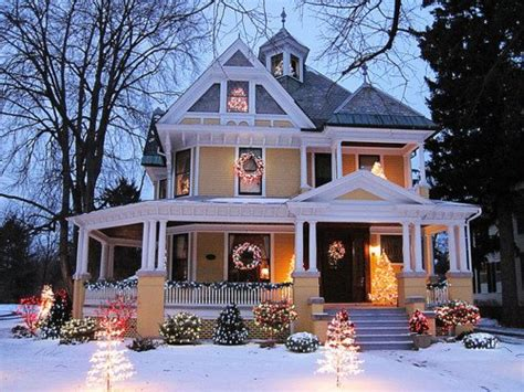 beautiful christmas exterior home house image