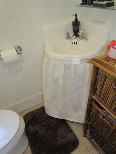 bethroom sink skirt  traditional bathroom los