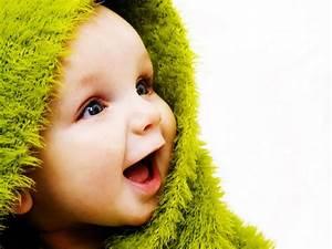 Free Sweet Cute Babies Smile Desktop Wallpapers HD