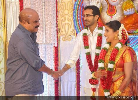 actress karthika murali photos murali daughter karthika wedding photos 9