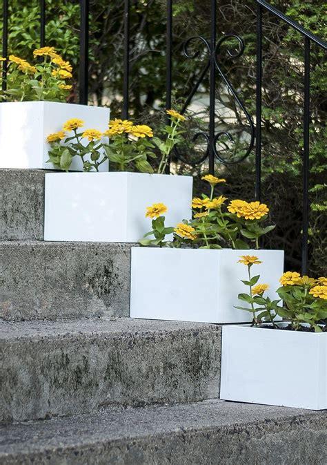 simple vertical garden   diy stair step planters