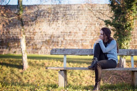 fruehlingsmelancholie warum wird man traurig migros impuls