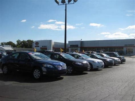 Jim White Toyota : Toledo, OH 43615 Car Dealership, and