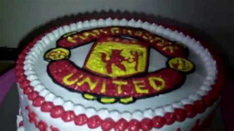 Manchester United Logo Theme Cake - YouTube