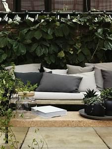 le gros coussin pour canape en 40 photos With tapis champ de fleurs avec canapé d angle arrondi pas cher